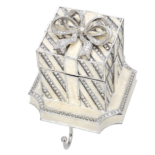 SH2630 WHITE GIFT BOX STOCKING HOLDER